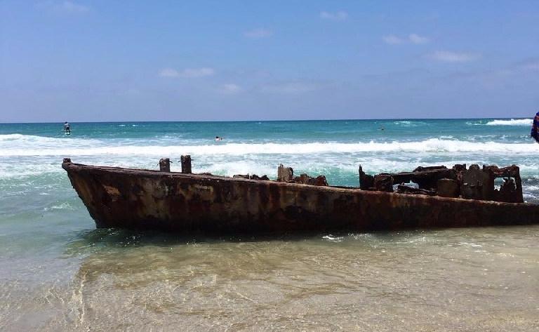 Ship wreck Habonim beach